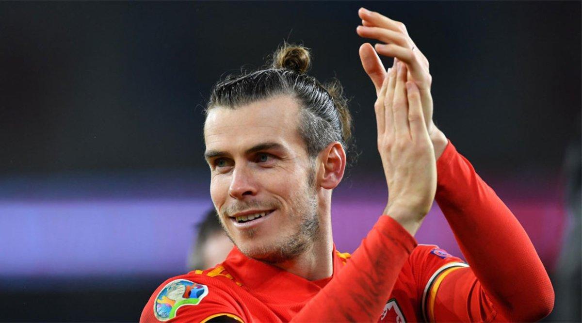 Berbatov: Bale fue tonto por celebrar con esa bandera
