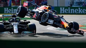 El escalofriante accidente entre Verstappen y Hamilton en Monza