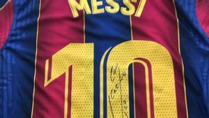 Una de las camisetas que Messi regaló a los directivos de Sinovac