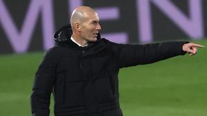 Zinedine Zidane está aislado a la espera del resultado del PCR