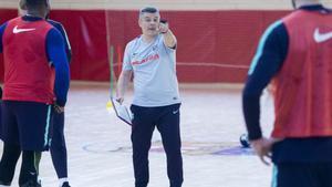 Xavi Pascual, en el entrenamiento de este martes en la Ciutat Esportiva