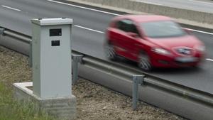 El margen de error de los radares fijos es de 5 km/h o del 5% según la velocidad de la vía.