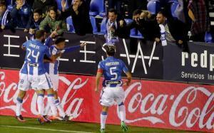 Rober Ibáñez celebra su primer gol en esta Liga