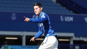 James se estrenó en la Premier con la camiseta del Everton