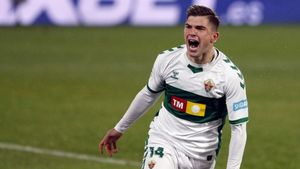 El jugador del Elche Raúl Guti celebra un gol esta temporada.