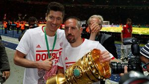 Lewandowski pide más fichajes para el Bayern