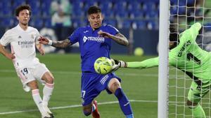 Courtois evita un gol del Getafe