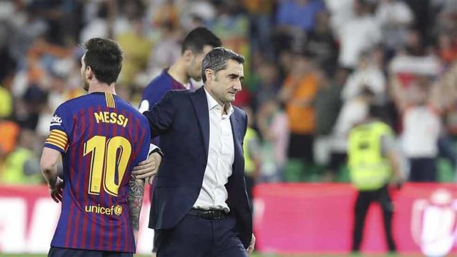 Messi, junto a Valverde antes de jugar en Dortmund