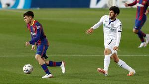 Carles Aleñá durante su primer partido en el Camp Nou como rival del Barça