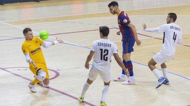 Mario Almagro se lució y solo encajó un gol imparable de Dyego