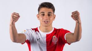Ramón Terrats celebra su renovación.