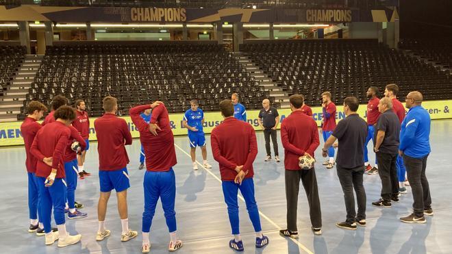 El Barça llegó ayer a Flensburg y se entrenó en el Flens Arena