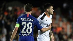 Maxi Gómez falló una ocasión clamorosa ante el Chelsea
