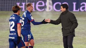 Míchel deja el cargo tras la derrota del Huesca contra el Betis