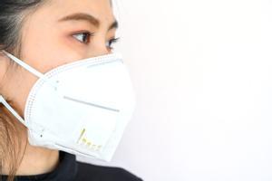 Virólogos lanzan un preocupante aviso sobre las mascarillas FFP2