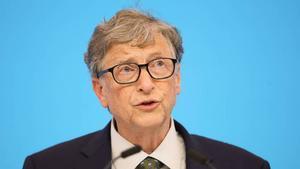 Bill Gates desmiente que las vacunas contra la Covid-19 tengan chips