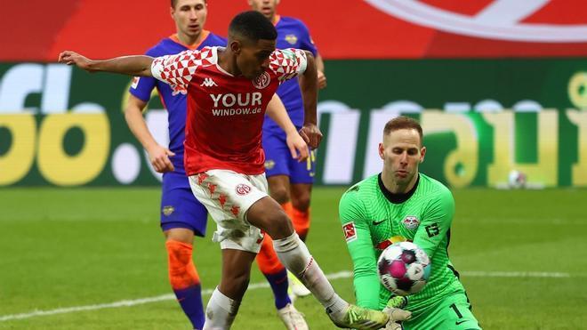 El Leipzig allana el camino a la Bundesliga del Bayern