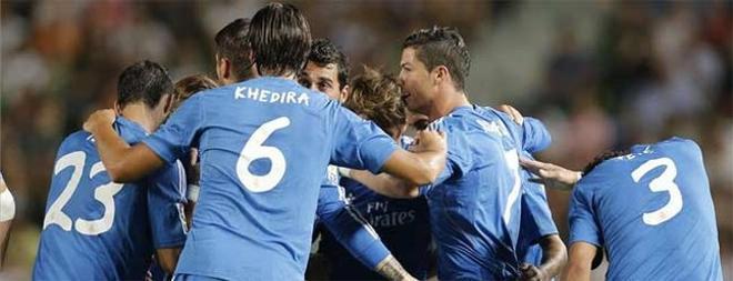 El Madrid se llevó los tres puntos de Elche gracias a un regalo del árbitro