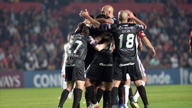 Argentinos Juniors da un paso importante en la Sudamericana