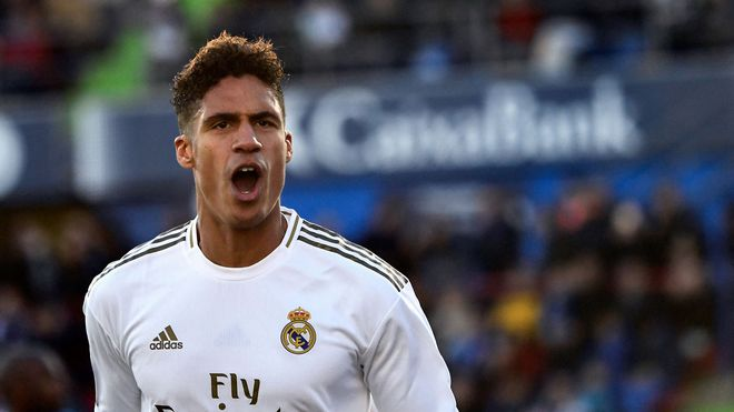 Official: Varane goes to Manchester United