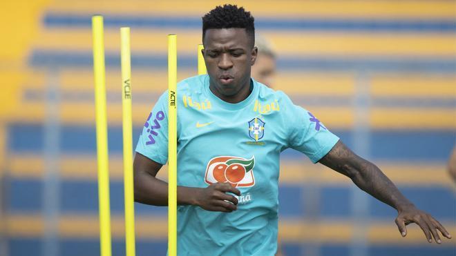 Entrenar es lo más hace Vinicius Jr. en la Seleçao