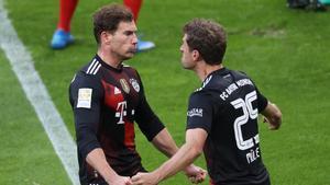 Goretzka y Müller celebrando el gol bávaro