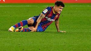 Philippe Coutinho cae lesionado en el Barça-Eibar de La Liga 2020/21