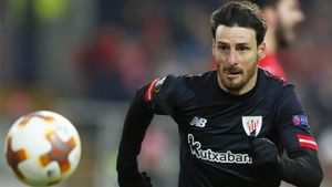 Aduriz, con la camiseta del Athletic