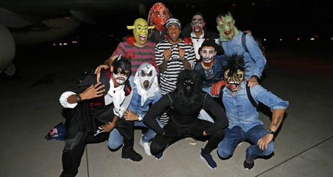 Algunos jugadores del FC Barcelona celebraron la victoria con disfraces de Halloween