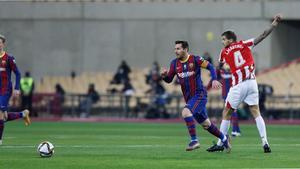 Messi, ante Iñigo Martínez