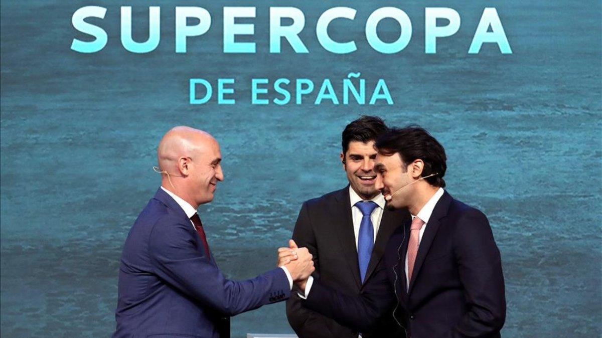 Luis Rubiales junto al representante de Arabia Saudí
