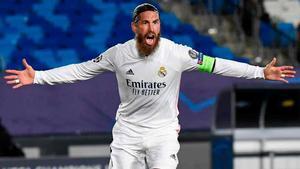Tuvo que ser de cabeza: así marcó Sergio Ramos su gol 100 con el Madrid
