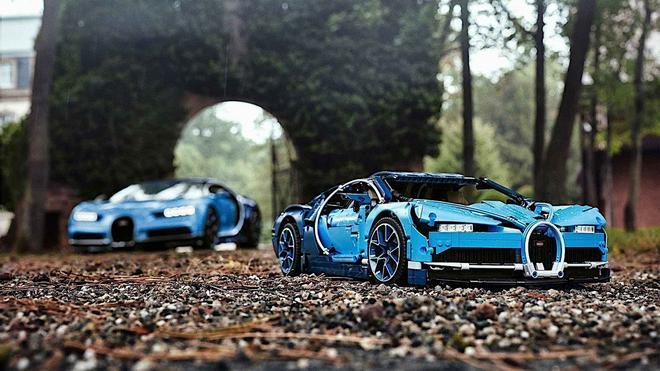 Construcción de la réplica Lego del Bugatti Chiron.
