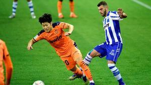 Kang In Lee en una acción durante un encuentro con el Valencia