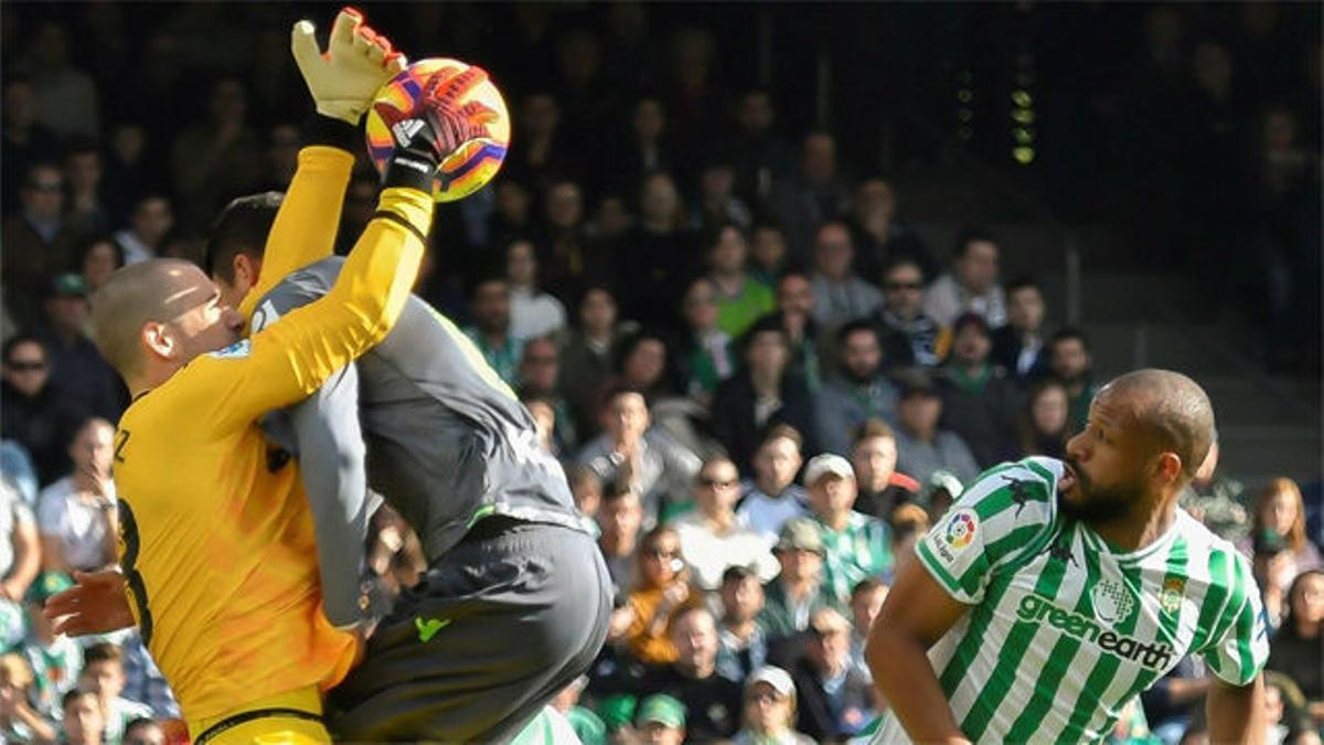 ¡Increíble! Pau López se convirtió en la pesadilla de Sandro Ramírez