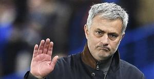 José Mourinho, cesado en el Chelsea