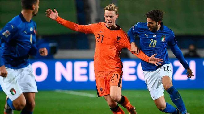 De Jong augura un buen futuro a su selección