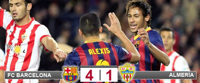 Alexis, celebrando su gol con Neymar