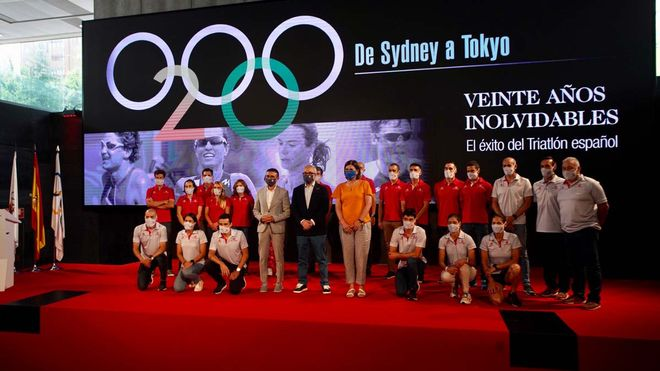 La FETRI presenta a su equipo olímpico