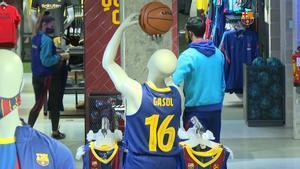 Así luce la camiseta de Pau Gasol en las tiendas oficiales del club
