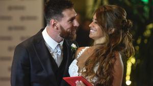 Leo Messi y Antonella Roccuzzo el día de su boda, 30 de junio de 2017