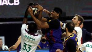Brandon Davies y Mirotic, dos de las referencias del Barça, quieren someter al Unicaja