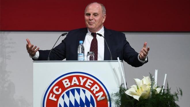 Uli Hoeness dejó la directiva del Bayern tras 40 años