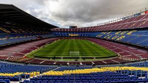 El Camp Nou, bajo la lluvia