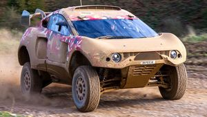 Nani Roma y Loeb completaron su primer test con el coche del Dakar