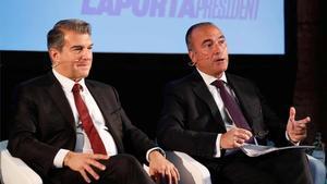 Joan Laporta junto a Rafael Yuste en la presentación del proyecto deportivo
