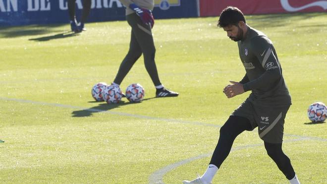 Diego Costa durante un entrenamiento con el Atlético