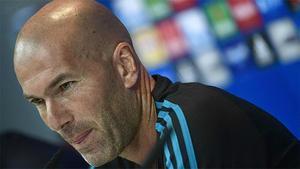 Zidane reconoce que al Real Madrid le falta un 9