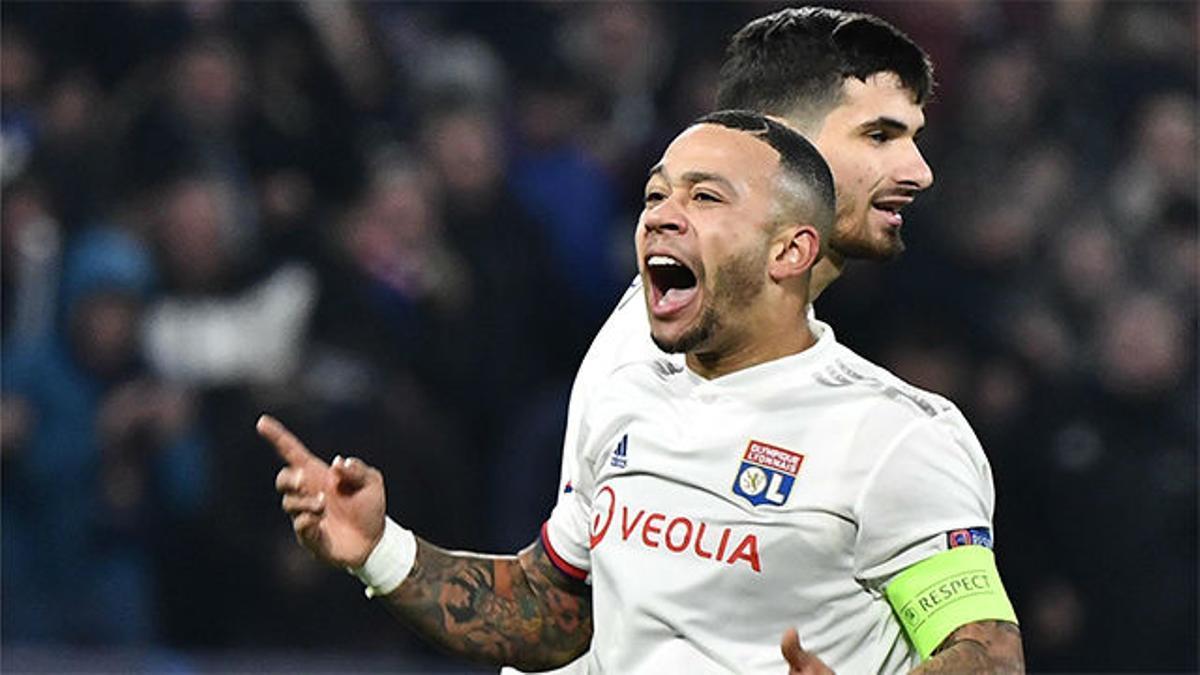 Depay afianzó la remontada del Lyon con el 2-2 ante el Leipzig