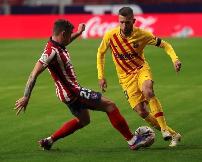 Imágenes del partido entre el Atlético de Madrid y el FC Barcelona correspondiente a la jornada 10 de LaLiga, disputado en el estadio Wanda Metropolitano, Madrid.